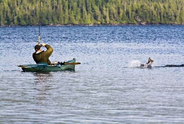 fishing-in-kayak